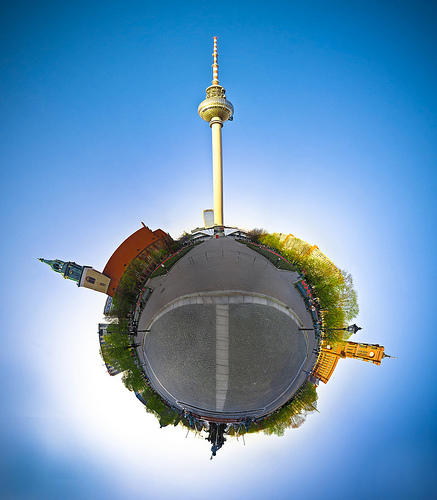 Planet Fernsehturm Berlin by boltron