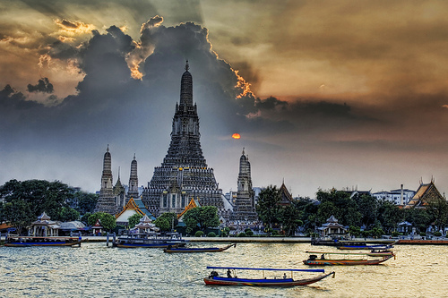 Wat Arun at Sunset by Stuck in Customs