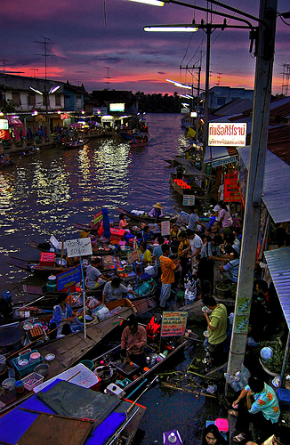 Floating market by marcusuke