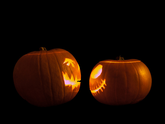 Jack-o'-lanterns Face Off