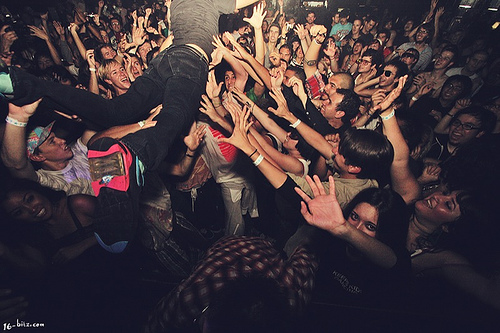 BOYS NOIZE CROWD SURFING