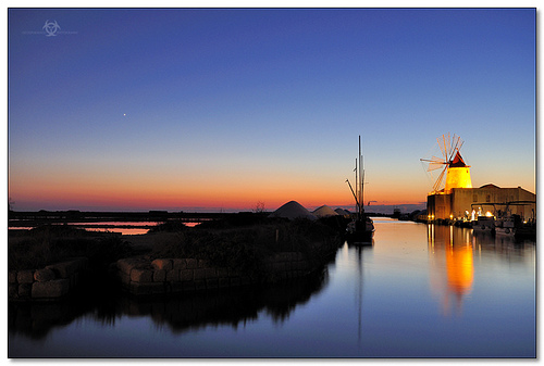 Mothia - Windmill and the blue hour colours