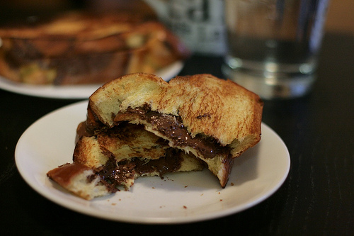 grilled nutella sandwich