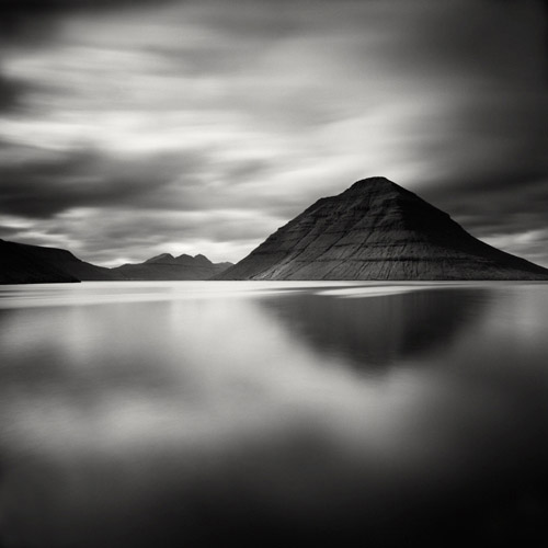 Black mountains of the Faroe Islands, black and white landscape photography by Hakan Strand