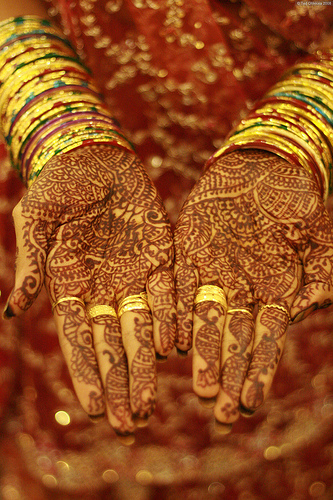 Bridal hand mehndi (natural tones)