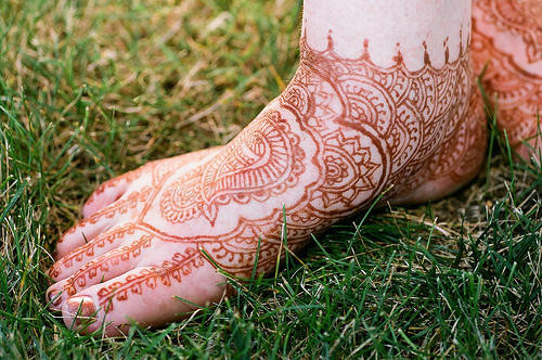 henna tattoo feet
