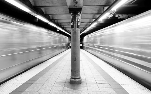72nd_street_subway_in_motion