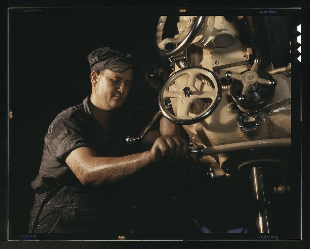 Mechanical operator on boiler parts, Combustion Engineering Co., Chattanooga, Tenn.