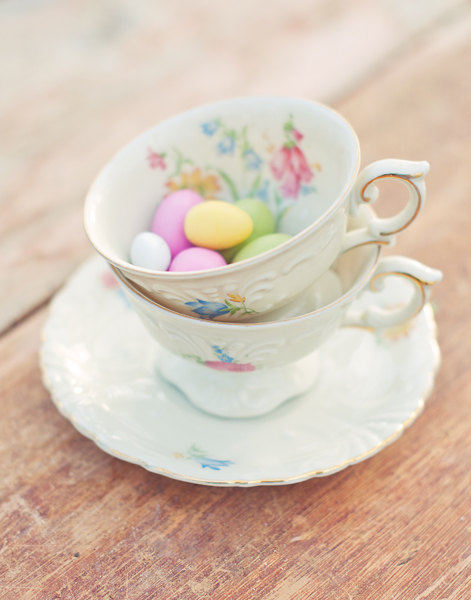 Easter cup of tea egg
