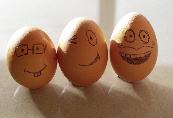 Three Smiling Eggs easter