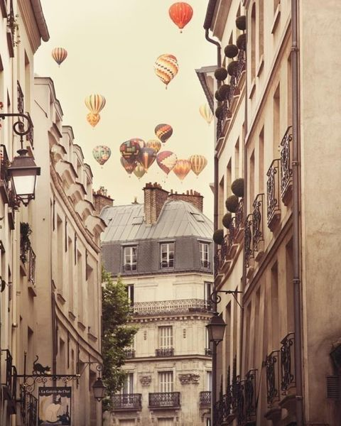 hot air balloons paris