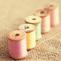 15 Pictures of Vintage Thread Spools