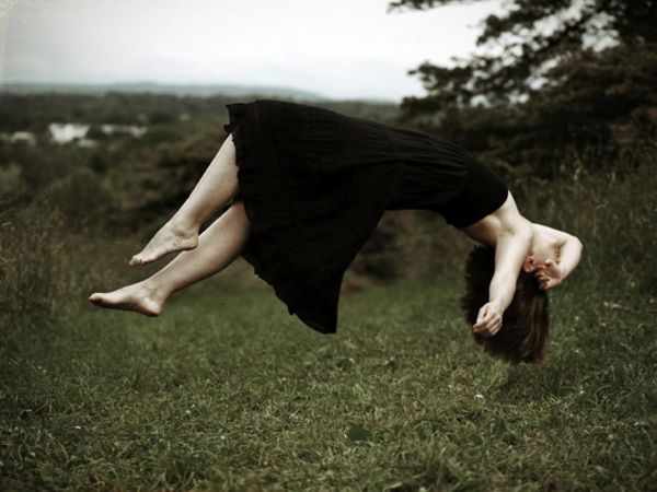 Suspended in Air – Levitation Photography by Diana Lemieux