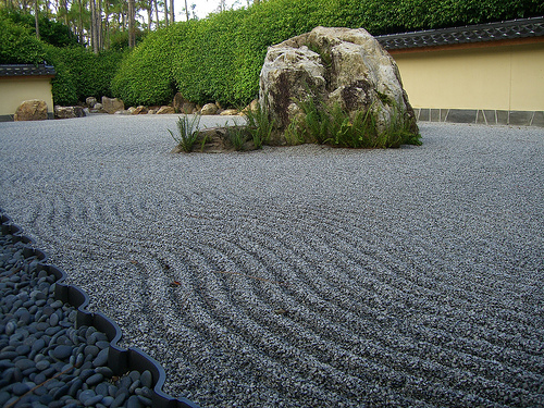 17 peaceful pictures of japanese rock gardens Pictures of zen rock gardens