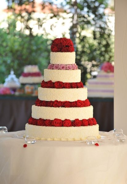 Wedding Cake by Maria Luisa Buccella