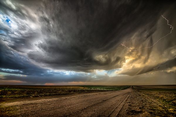 Kansas At Its Best – Outdoor Photography by Garett Gabriel