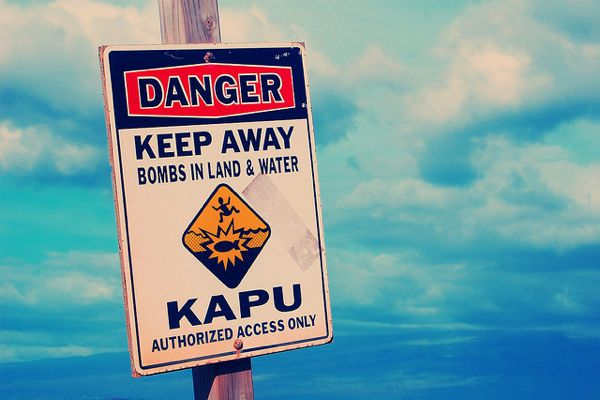 Kaho'olawe warning sign bombs