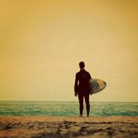 18 Cool Pictures of Surfers Not Surfing
