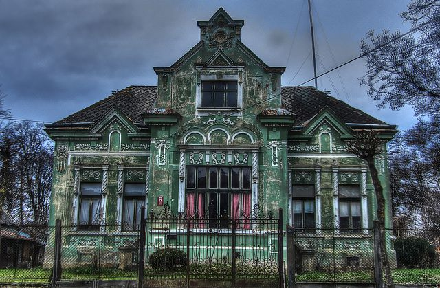16 spooky pictures of haunted houses for House photography