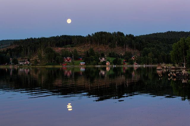Ulf Bodin Sweden Moon over Skatan