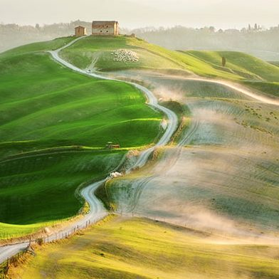 The Spectacular Hills of Tuscany – Landscape Photography by Marcin Sobas