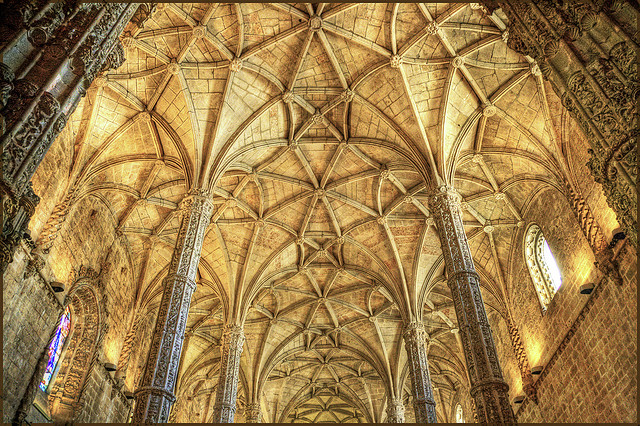 Looking Up in Church – 18 Majestic Pictures of Cathedral ...
