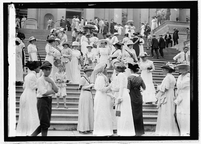 Suffragettes at Capitol, 1913