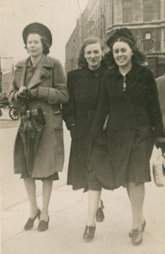 1930 Lucy Cleary and friends